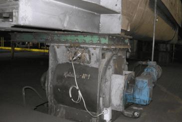 Online moisture measurement of coal underneath a conveyor screw